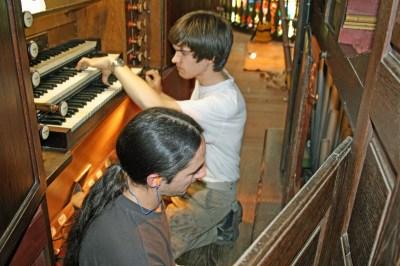 Restauration d'orgues par les Compagnons de la Manufacture d'orgues en 2012