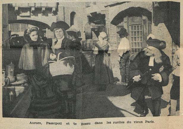 photo du film Le Bossu représentant Bourvil et Jean Marais (en bossu)