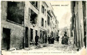 Carte postale expédiée par un soldat d'Auray en 1917. Recto. Domaine public.